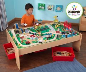Kidkraft – Masuta de joaca pentru copii cu set de sine din lemn