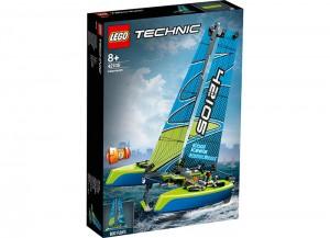 lego-42105-Catamaran.jpg